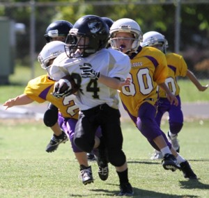 Seth Cantrell ran for a touchdown in the Peewee Black Team's victory at York Saturday.