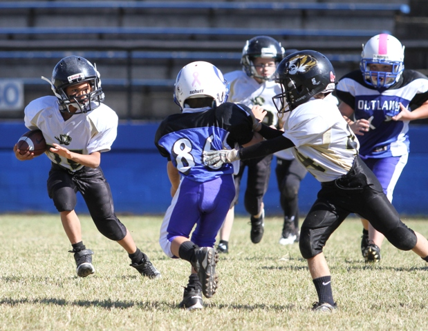 Marquez Chalfant ran for 60 yards and a touchdown in the Tigers' game in Livingston Sunday.