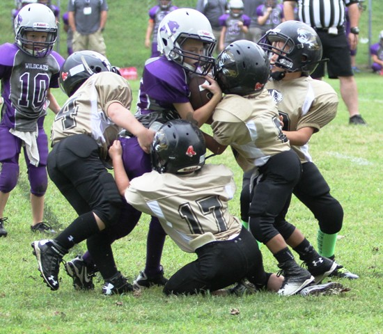 The Black and Gold Peewee Defense gave up less than 100 yards against Monterey.
