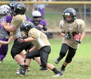 Konner Young had 2 touchdowns for the Tigers in their win at Monterey Saturday.