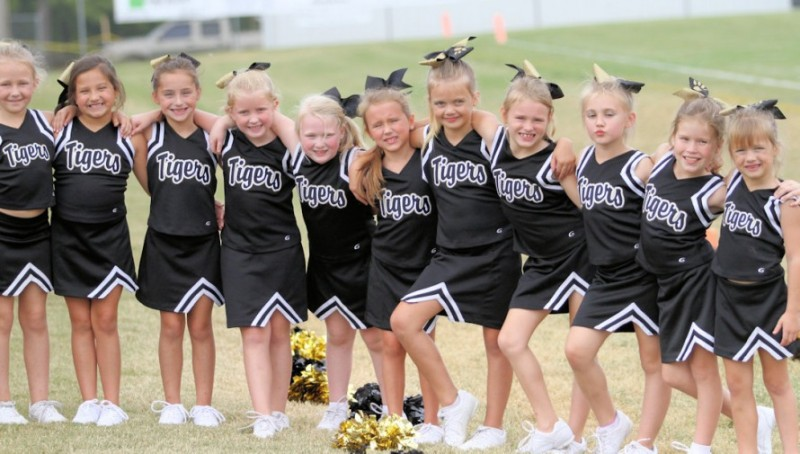 The Peewee Tiger Cheerleaders.